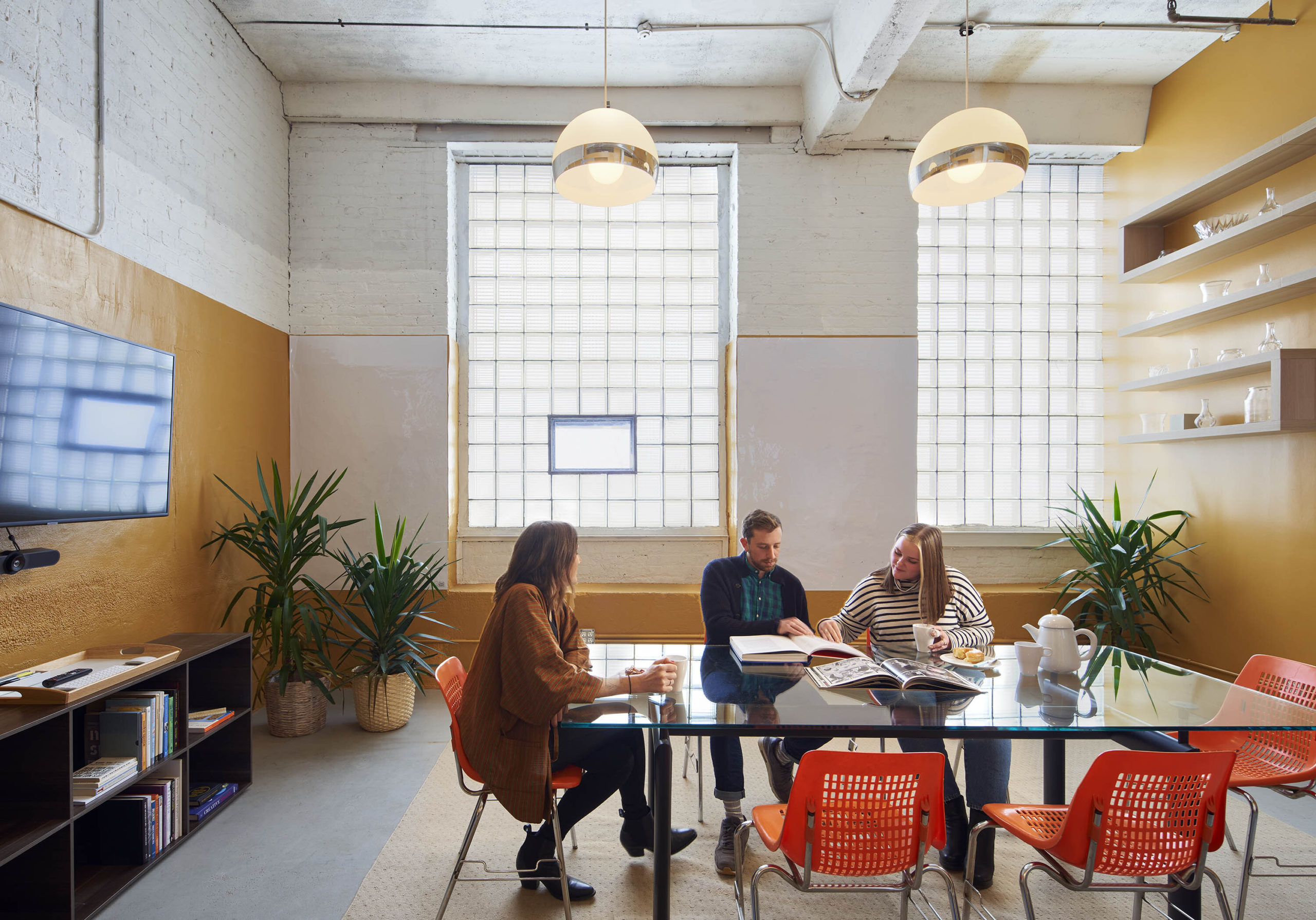 Coworking space for remote workers in Chicago